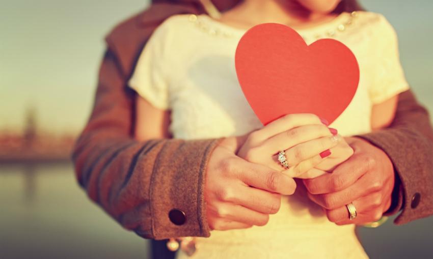 Die Verlobung ist nach wie vor ein sehr romantischer Moment zwischen Verliebten