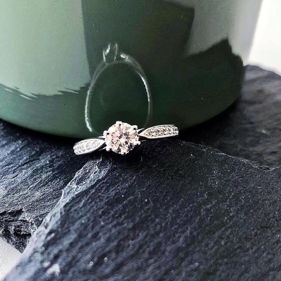 verlobungsring-faith-0-63-ct-aus-platin-diamant