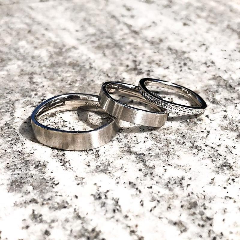 verlobungsring-memoire-ring-a-0-01-ct-aus-weissgold-diamant