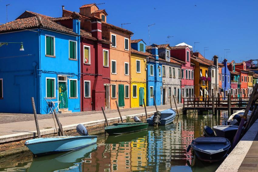 Bunte Häuser auf Venedigs Insel Burano