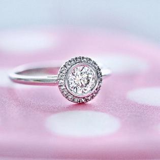 verlobungsring-halo-inspire-0-6-ct-platin-diamant-filigrane-verlobungsringe