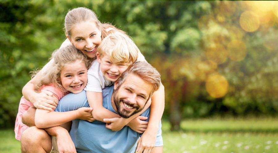 Hochzeitstag zuhause feiern mit Kindern hochzeitstag-feiern-trotz-beschraenkung