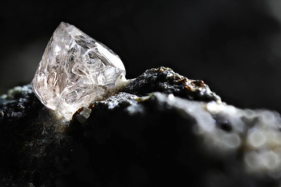 natuerlicher-diamant-kimberlit