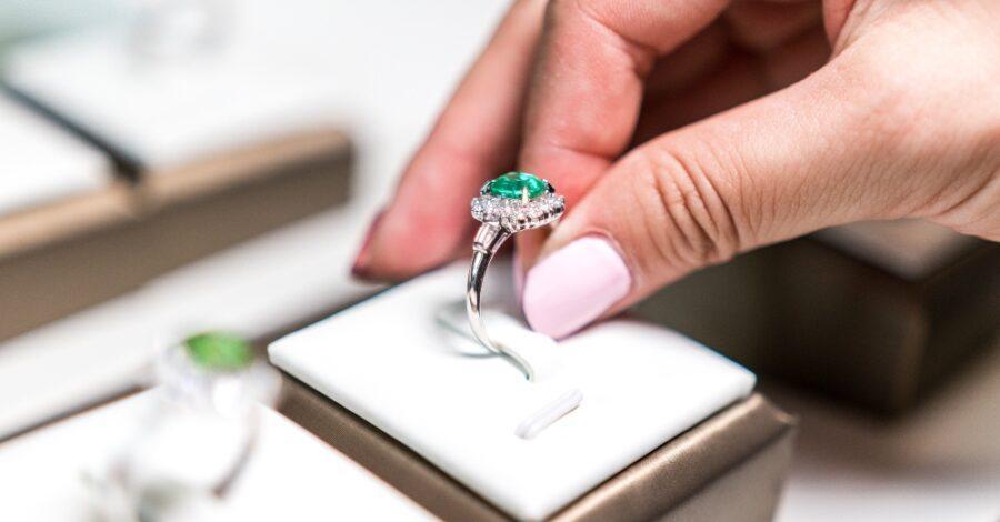 Verlobungsring mit Smaragd Verlobungsring Magazin
