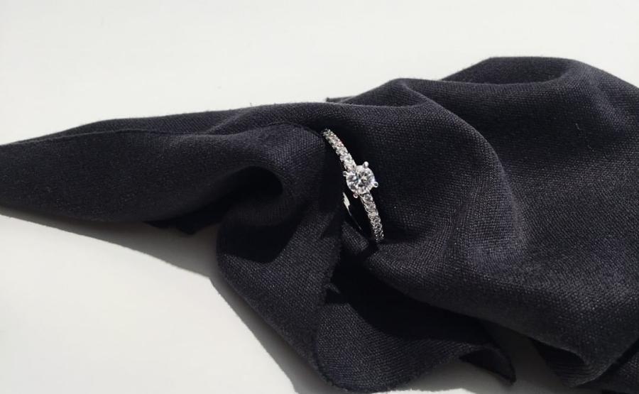 Schmaler Pavee Verlobungsring Le Missio 4 Krappenfassung welche-ringfassungen-gibt-es