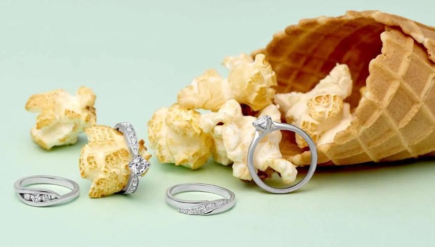 Diverse Ringe mit Diamanten und Gravuren
