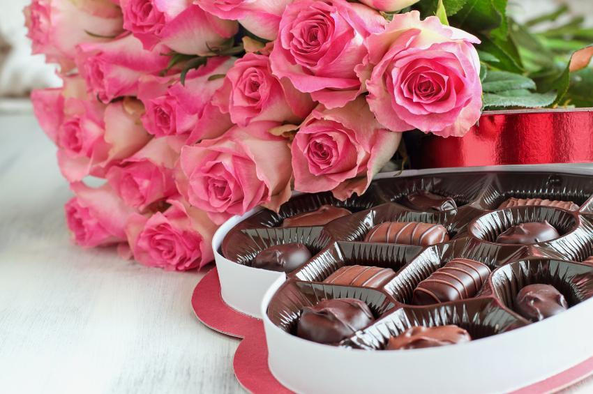Rosen und Pralinen - Romantische Ideen zum Valentinstag