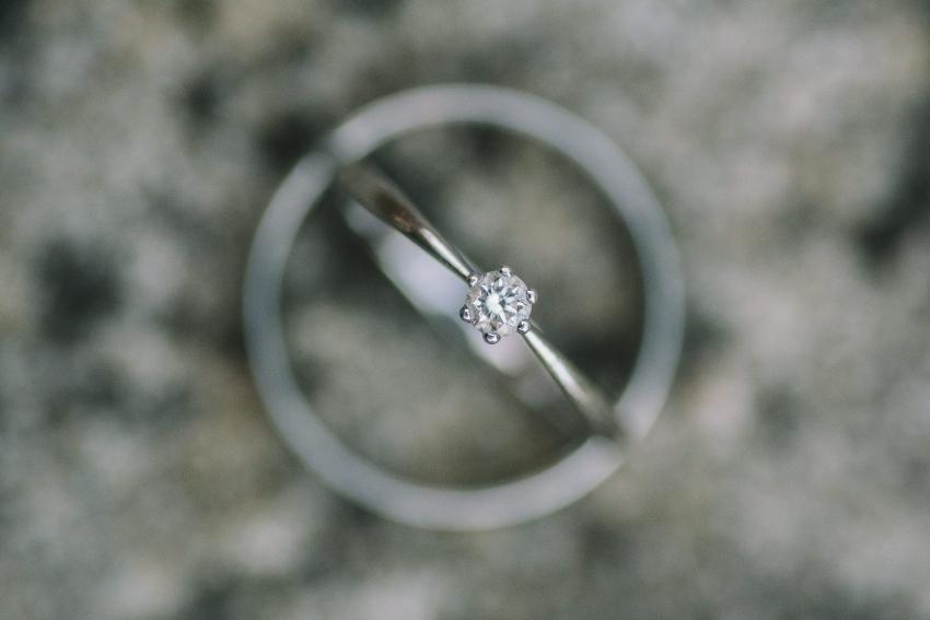 Verlobungsring mit einem Edelstein