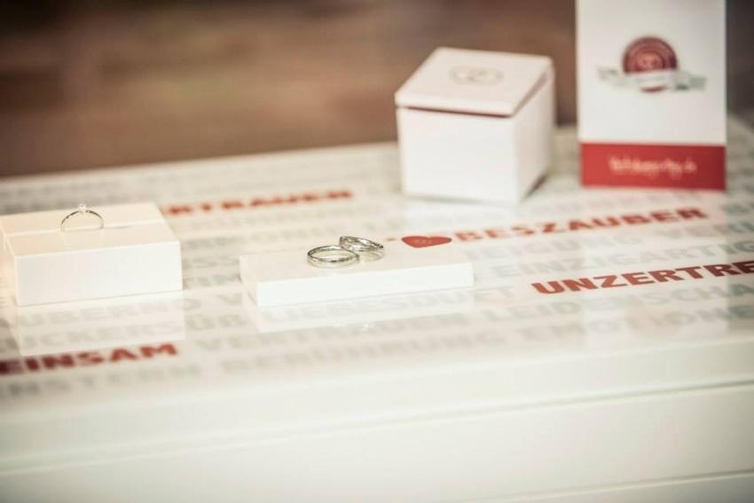 Ladengeschäft Verlobungsring.de mit ausgestellten Ringen