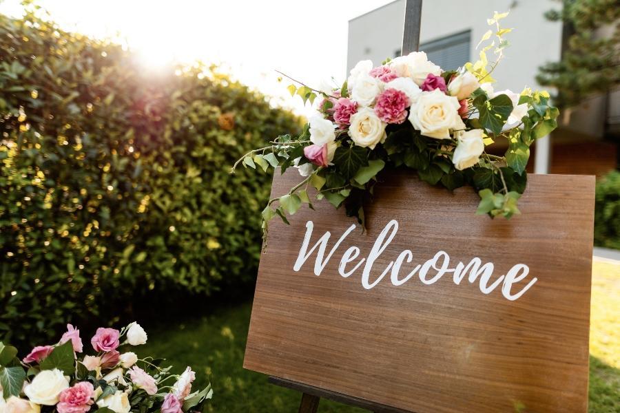 wedding-board-holz-hochzeitstrends-2021