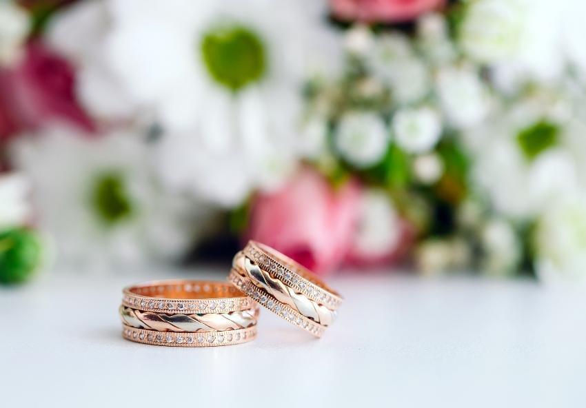 Bicolor Eheringe - angesagte Ringe