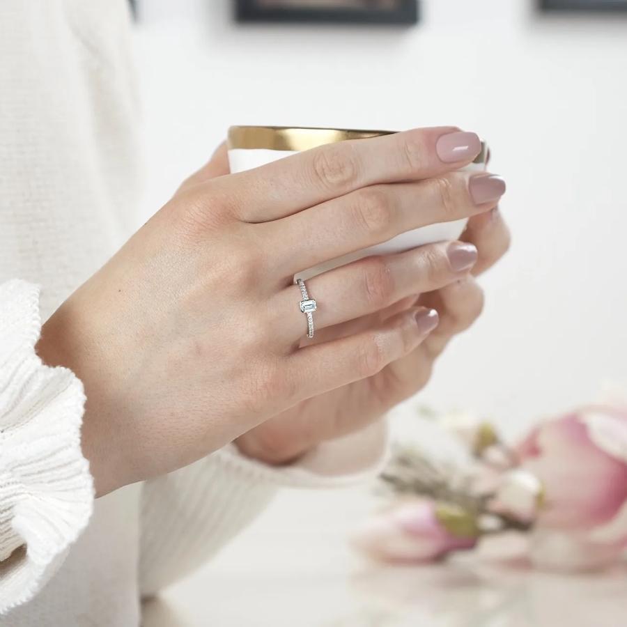Emeralda Solitaerring aus 585 Weissgold mit Diamant