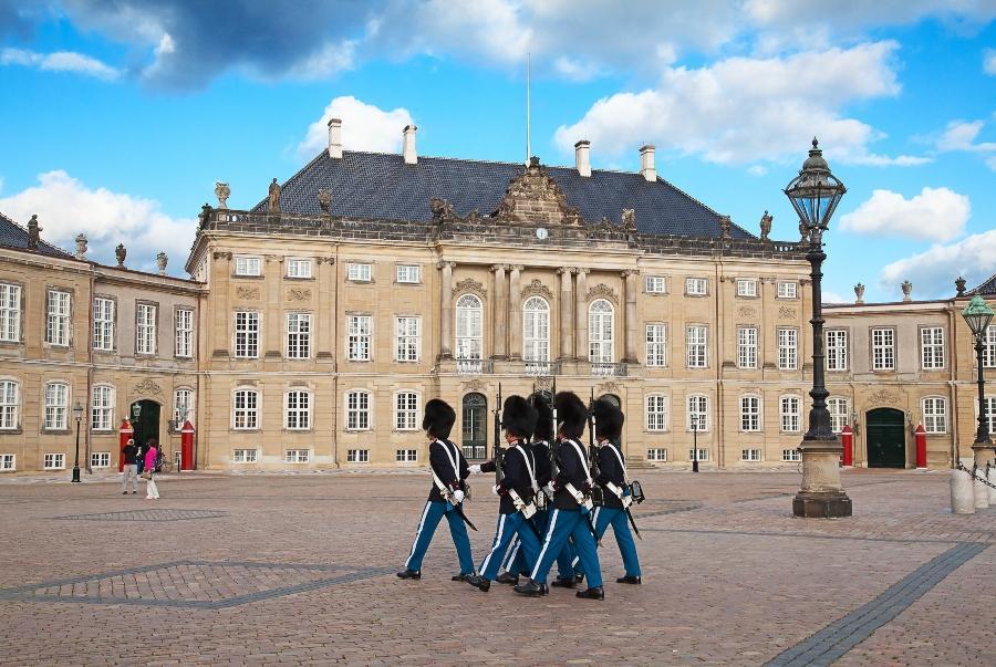 Schloss Amalienborg verlobung-in-kopenhagen