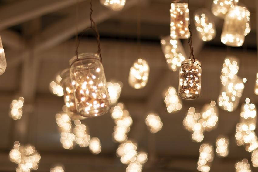 Lichterketten im Glas - Do-it-yourself-Hochzeitsdeko