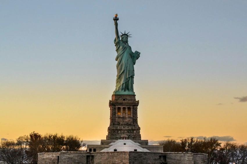 Die Freiheitsstatue auf Ellis Island