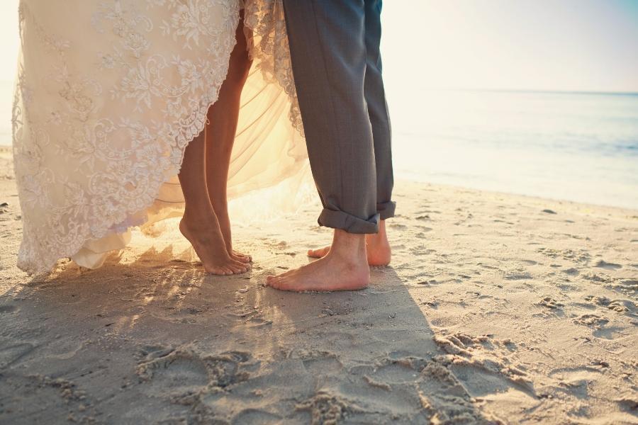 Barfuss heiraten Hochzeit am Strand
