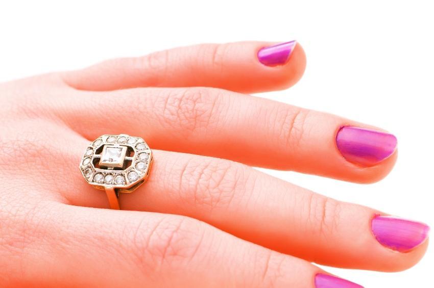 Ring im Art Deco Stil