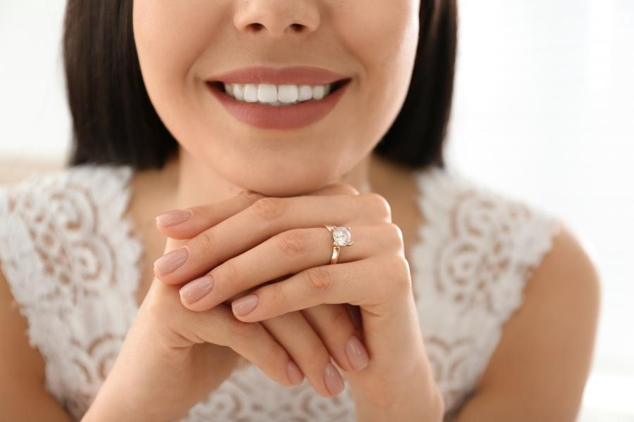 Zu wem passt ein extravaganter Verlobungsring extravagante-verlobungsringe