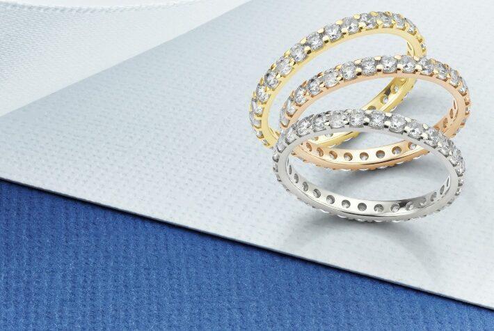Allianz-Ring in verschiedenen Legierungen