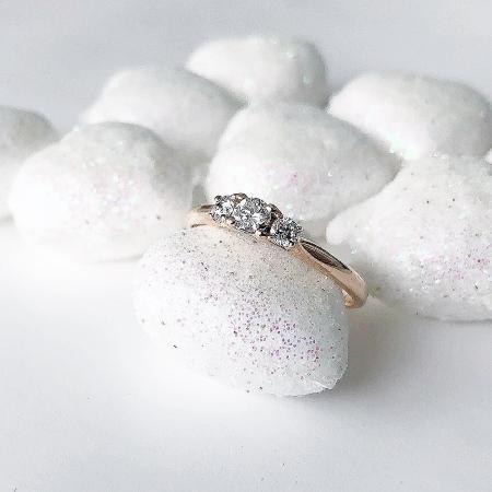 3Diamonds 0,20 ct. Drei-Steine Ring aus 585 Roségold mit Diamant