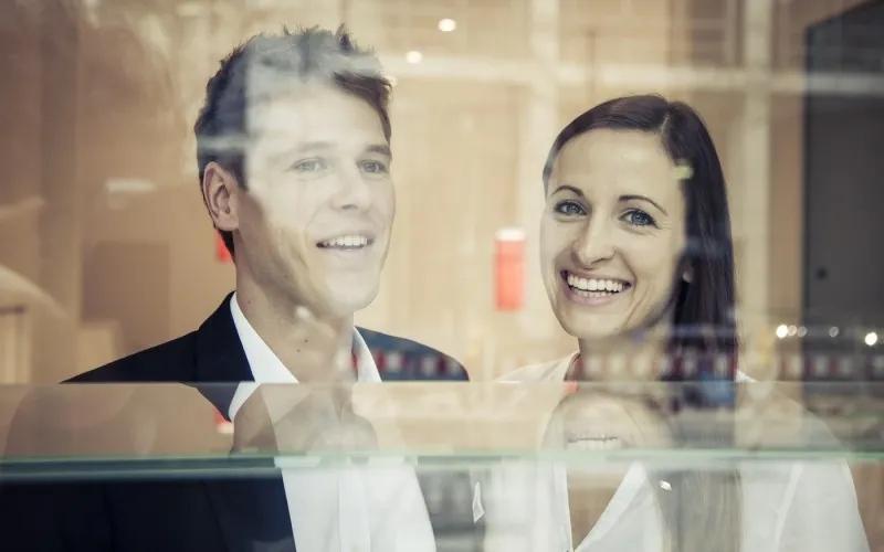 Schmuckexperten von verlobungsring.de - Diamant online aussuchen per Zoom Call ist möglich
