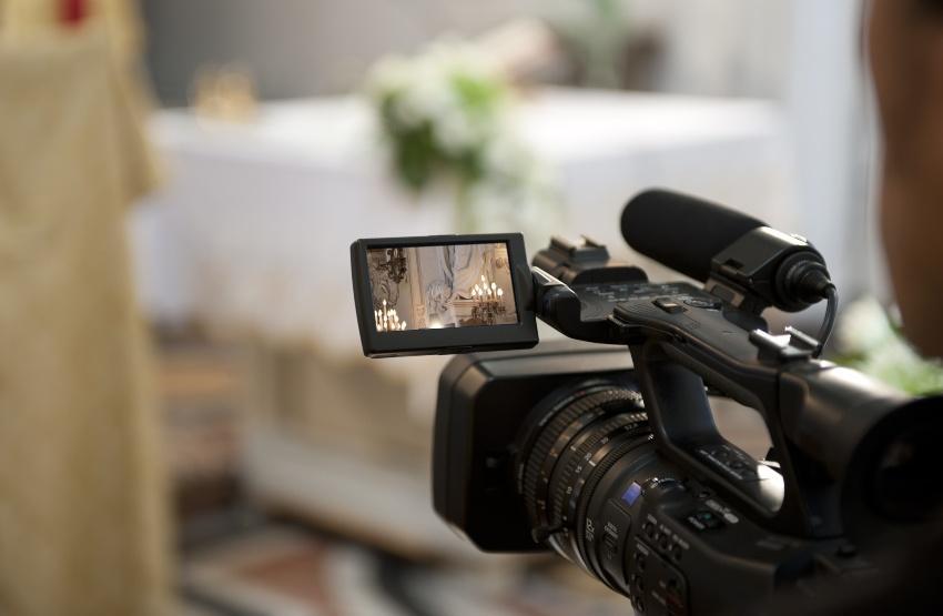 (Video) Kamera bereit für eine Hochzeitszeremonie - Hochzeit nachfeiern, eventuell Live-Streamen
