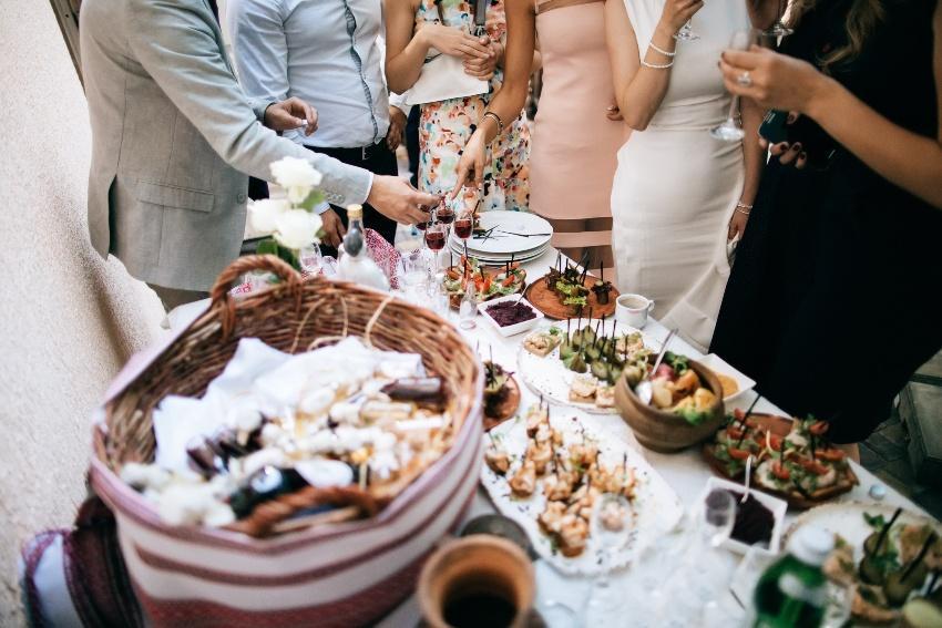 Hochzeitsbuffet - bei der Eco Wedding kann man sehr gut auf lokale Lieferanten zurückgreifen