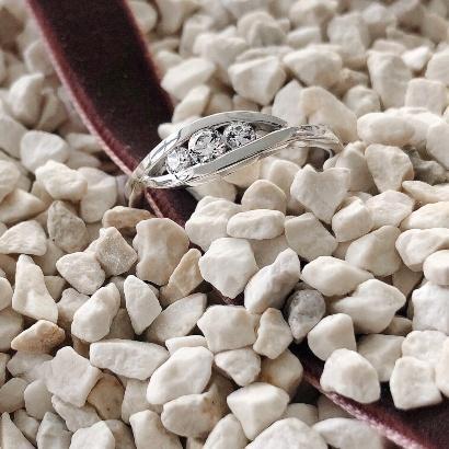 Verlobungsring mit drei Steinen - Triology